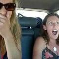 車の中でペットボトルにおしっこしちゃう外国人女性