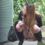 野外放尿してる所を見られた女の子の反応に股間が疼く【無修正】