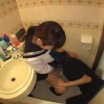 オシッコ直後の女子校生にお掃除クンニ、嫌がる姿がエロ過ぎる