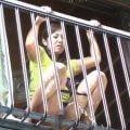 【梶谷美鶴子】熟女が2階の窓からおしっこシャー、その後に息子が濡れたオマンコをお掃除クンニ