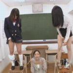女子校生2人分のオシッコ全飲みする飲尿女教師