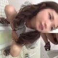 和式トイレですごい勢いで放尿する女達