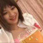 かわいい女の子がワイングラスに大量放尿【無修正】