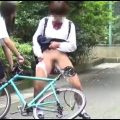 女子校生がイタズラで色んな所に放尿していきます