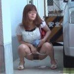 野外放尿中の女を撮影すると「ちょっと止めて、撮らないで、あっち行って」だって【無修正】