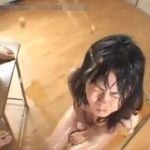 臭い男尿を頭から浴尿してズブ濡れな女の子