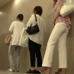 女が長時間トイレ待ちした後の放尿は勢いと音が良いわ