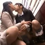 本屋でレズ痴漢された女子校生が激イキオシッコ失禁【乙葉ななせ】